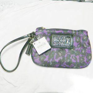 Coach $79 48088 Poppy Daisy Ocelot Print Wristlet